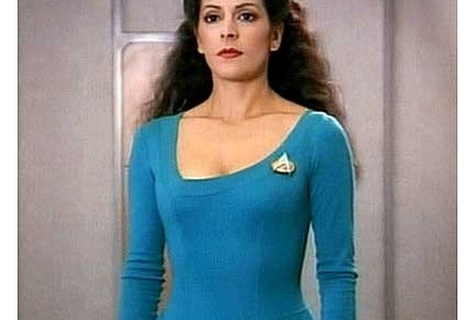 What I wish I could unlearn from Star Trek TNG / 1: Women are equal to men. In theory.
