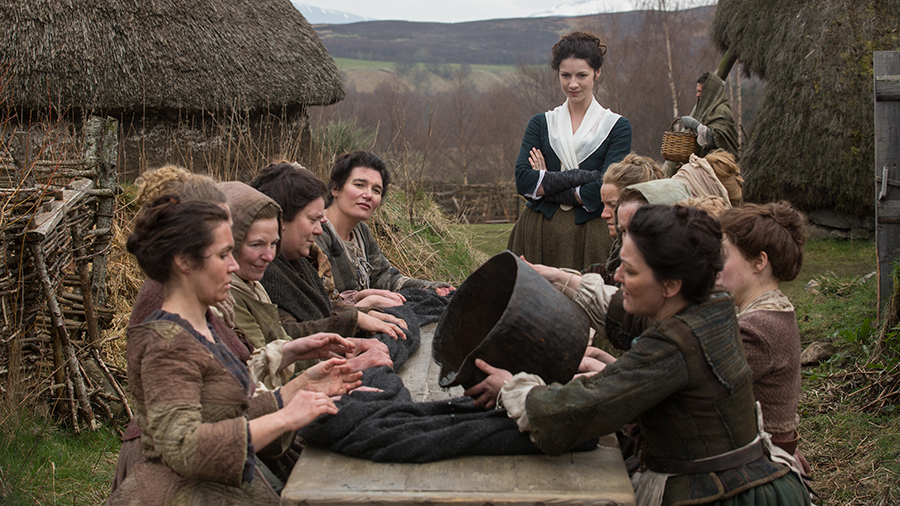 Source: http://img4.wikia.nocookie.net/__cb20140831125321/outlander/images/e/e9/OUT_105-20140401-EM_0649_900x506.jpg