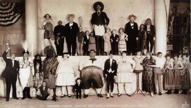 Congress of Freaks – Baileys Circus (1924) Source: http://fb-troublemakers.com/15-more-captivating-images-throughout-history-23236/