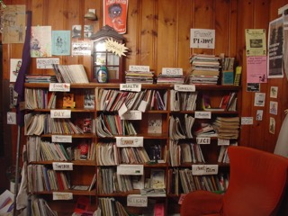 The Papercut Zine Library in Cambridge, MA/ Creative Commons, Wikipedia user Rhododendrites